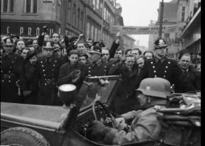 Nazi entering Praue