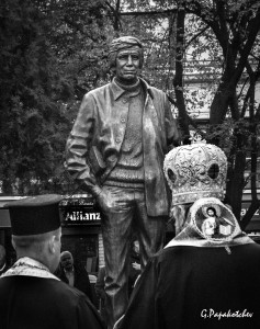 GMarkov monument & priests 111114